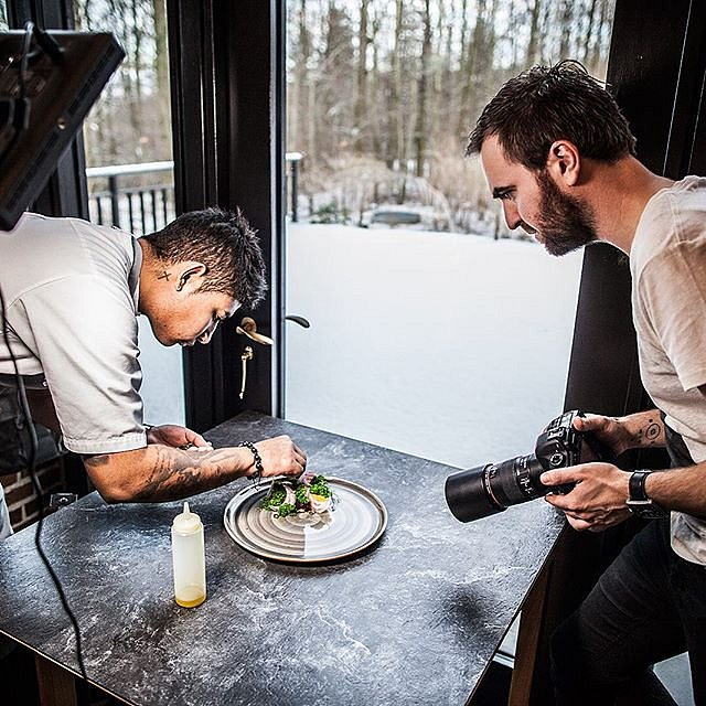 Shooting food-pictures for Turkish @bonnatr today together with @bryanfrancisco1  #raisfoto #food #foodphotography #lovemyjob #bonna #chefstalk #aputure @aputurephoto